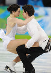 Virtue and Moir, kissing the ice, still